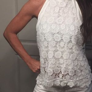 HP🎉Beautiful white lace halter top💕